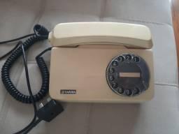 Aparelho de telefone fixo retrô