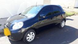 Nissan March modelo 2014 completo