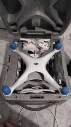 Vendo ou (troco por Mavic pro)  Drone Phantom 4 com duas baterias