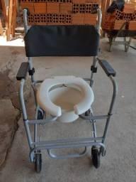 Vendo esse cadeira de banho 500reais