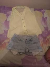 Blusas e short jeans