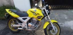 Vendo essa moto 250 twitter Honda