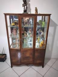 Cristaleira rústica clássica