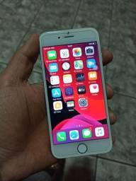 iPhone 6s 64gb praticamente novo. Vendo ou troco.