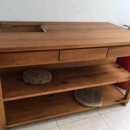 Mesa com entrada para cooktop