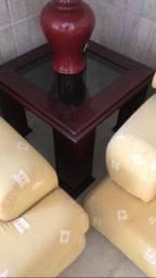 Mesa de centro e mesa lateral com vidro fumê de mogno vinho