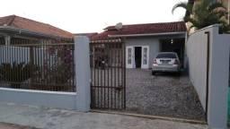 Linda residência muito bem construída em localização privilegiada no Bairro Itinga