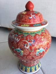 Vasos importados de decoração em cerâmica novos, potes em cerâmica com tampa novos