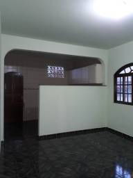 Alugo anual uma casa no bairro Bela Vista- Vitória - es