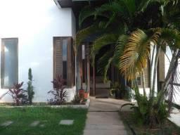 Excelente casa no San Valle com 600 m² (03 suítes, sendo 02 com closet)