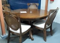 Mesa fino trato redonda maciça 4 cadeiras