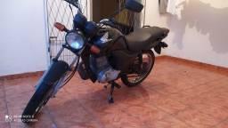 Vendo moto fan 125 KS ano 2011 TD em dias
