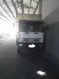 Caminhão iveco 230