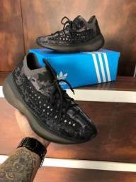Tênis Adidas Yeezy Boost Alien