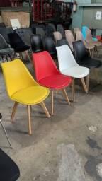 Título do anúncio: Cadeiras Saarinen Wood