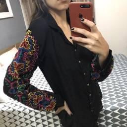 Camisa Bordada Preta G Carlota Costa