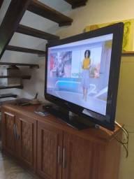 TV Philips  1 metro de largura de tela .