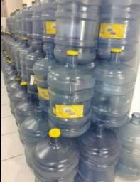 40 garrafões santa Joana