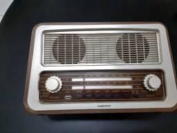 Rádio estilo antigo da Imaginarium