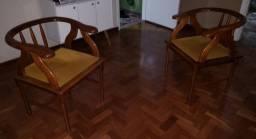 Cadeira madeira com veludo
