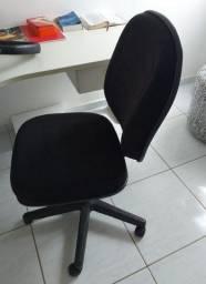 Cadeira giratória presidente preta