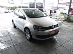 Volkswagen Fox 1.0 Gll. 2013/2014. Completo, revisado, bem conservado.