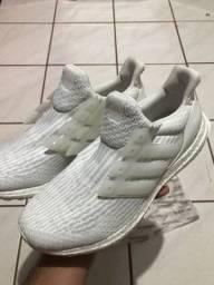 Tenis Adidas - Semi novo