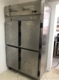 Geladeira de inox 4 portas comercial