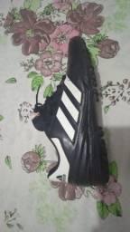 Chuteira Adidas n* 39/40
