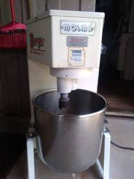 Batedeira Industrial Moema 22 litros