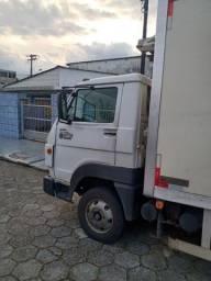 Caminhão baui frigorífico 3/4 VW *