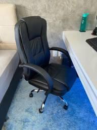 Cadeira escritório luxo nova na caixa.