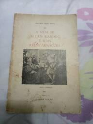 Livro espírita. A vida de Allan Kardec e sua reencarnações