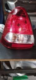 Lanterna Toyota Etios sedan
