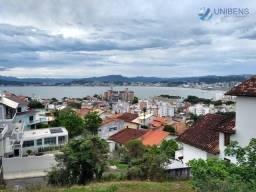 Casa com vista MAR 3 dormitórios sendo 1 suíte à VENDA mobiliada no Itaguaçu - Florianópol
