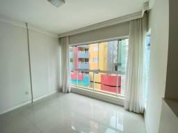 Locação Anual - Apartamento semi mobiliado de 3 dormitorios no bairro Pioneiros