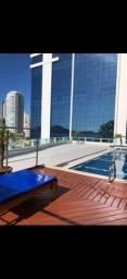 Kitinete até dezembro c academia e piscina no prédio .