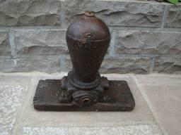 Bomba da agua antiga