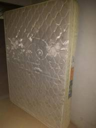 Vende-se Colchão Cama box