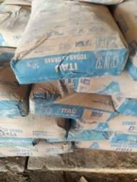 Vendo 6 sacas de cimento Itaú 180 reais