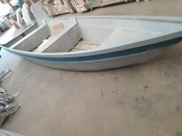 3.500,00 vendo canoa 5 metros borda alta com motor rabeta 5.5hp novo - 2018