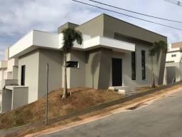 Casa MODERNA e NOVA em Valinhos, 189,74m2 ,condomínio Lê Village