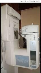 Uma overlok Chinesinha lubrificante automática e máquina de bordar muito boa