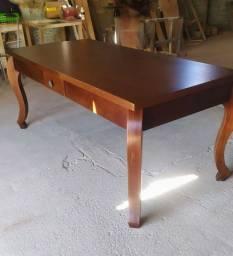 Vendo mesa nova em madeira por 1600 reais