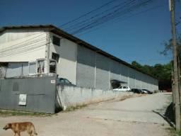 Alugo barracão na Barreirinha