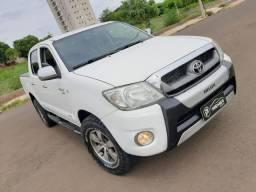 Toyota Hilux Cabine Dupla Hilux STD 4x4 2.5 (cab. dupla)