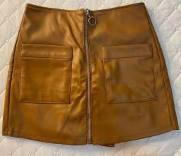 Short saia caramelo