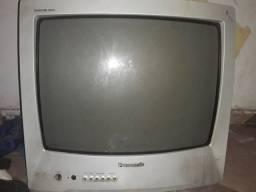 Uma televisão de tubo