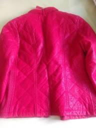 Jaqueta vermelha com dourado