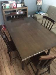 Mesa em madeira c/ 4 cadeiras